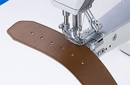 669-180122 Classic Maszyna do szycia – Ramienna z transportem potrójnym i automatyką